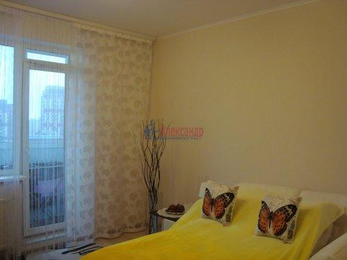 1-комнатная квартира (40м2) на продажу по адресу Ленинский пр., 72— фото 3 из 8