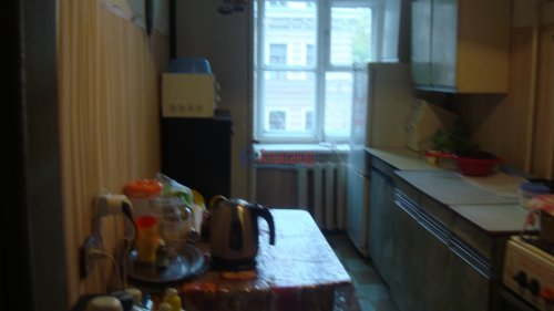 Комната в 3-комнатной квартире (68м2) на продажу по адресу Невский пр., 113/4— фото 5 из 12