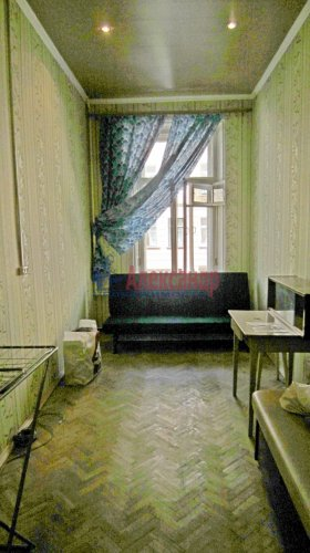 Комната в 5-комнатной квартире (135м2) на продажу по адресу 7 Красноармейская ул., 20— фото 1 из 6