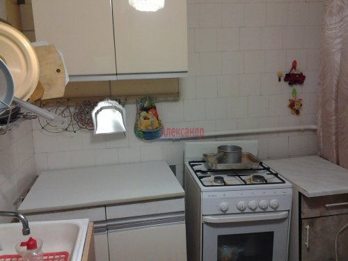 Комната в 3-комнатной квартире (60м2) на продажу по адресу Художников пр., 34— фото 2 из 4