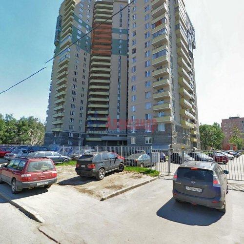 2-комнатная квартира (73м2) на продажу по адресу Большевиков пр., 79— фото 1 из 20