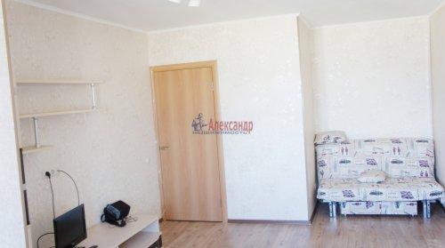 1-комнатная квартира (40м2) на продажу по адресу Караваевская ул., 28— фото 2 из 9
