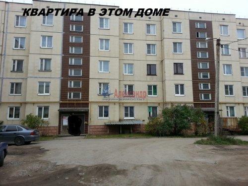 3-комнатная квартира (73м2) на продажу по адресу Лесогорский пгт., 7— фото 1 из 10