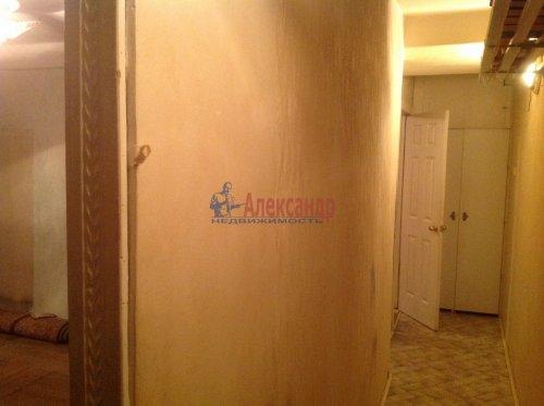 2-комнатная квартира (45м2) на продажу по адресу Новоизмайловский пр., 13— фото 7 из 9