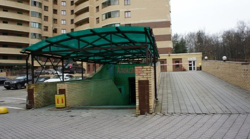 1-комнатная квартира (38м2) на продажу по адресу Ветеранов пр., 75— фото 3 из 15