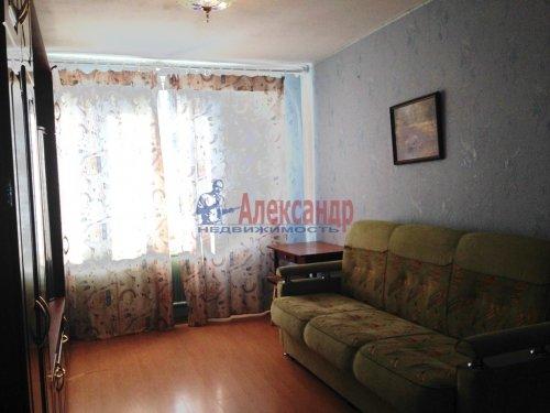 Комната в 4-комнатной квартире (77м2) на продажу по адресу Купчинская ул., 8— фото 3 из 6
