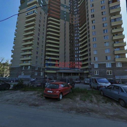 2-комнатная квартира (73м2) на продажу по адресу Большевиков пр., 79— фото 20 из 20