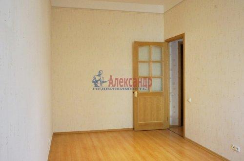 2-комнатная квартира (120м2) на продажу по адресу 5 линия В.О., 34— фото 5 из 24