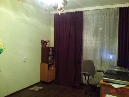 Комната в 9-комнатной квартире (187м2) на продажу по адресу Купчинская ул., 4— фото 2 из 11