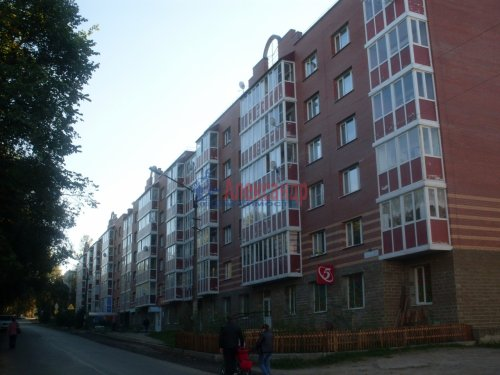 2-комнатная квартира (64м2) на продажу по адресу Рощино пгт., Садовый пер., 6— фото 1 из 10