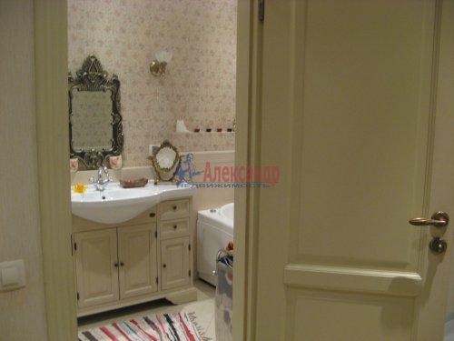 3-комнатная квартира (138м2) на продажу по адресу Пискаревский пр., 37— фото 16 из 24