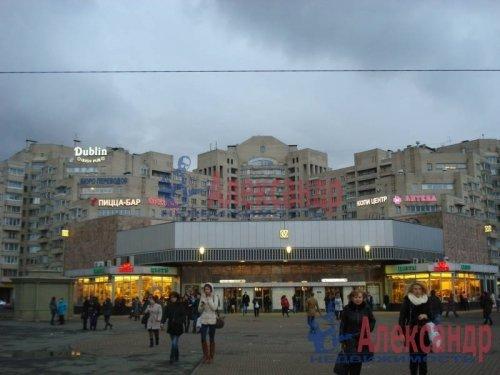 2-комнатная квартира (69м2) на продажу по адресу Науки пр., 19— фото 1 из 10