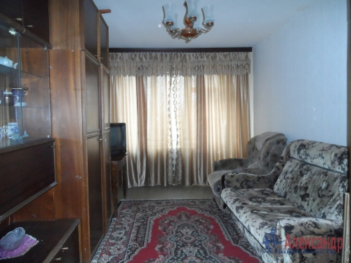 3-комнатная квартира (73м2) на продажу по адресу Коммунар г., Куралева ул., 15— фото 4 из 8