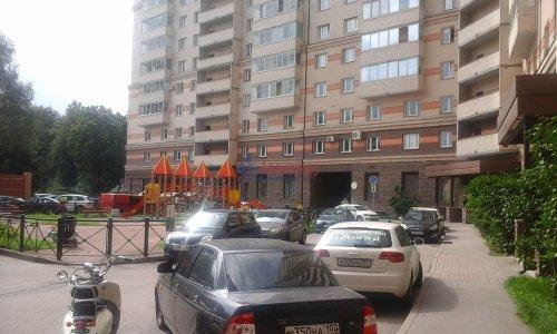 2-комнатная квартира (60м2) на продажу по адресу Беринга ул., 23— фото 2 из 14