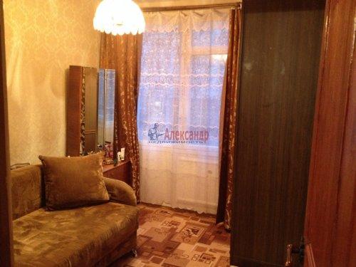 4-комнатная квартира (48м2) на продажу по адресу Лени Голикова ул., 27— фото 3 из 16