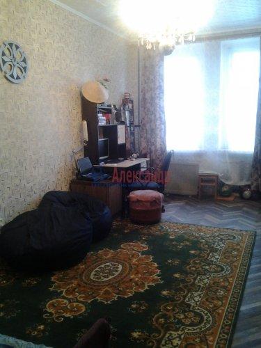 Комната в 3-комнатной квартире (74м2) на продажу по адресу Гранитная ул., 8— фото 3 из 6