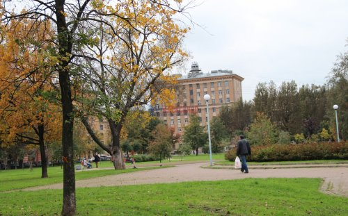 4-комнатная квартира (93м2) на продажу по адресу Полярников ул., 5— фото 8 из 16