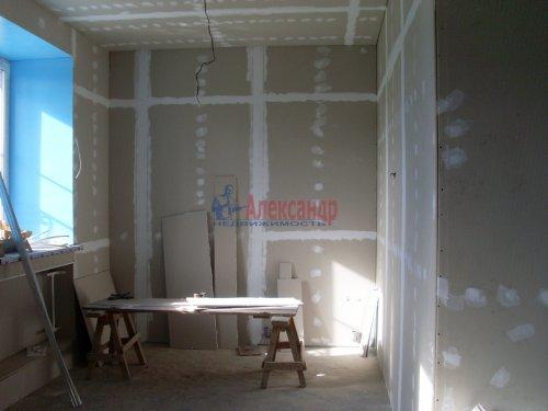 3-комнатная квартира (137м2) на продажу по адресу Кузнечное пгт., Пионерская ул.— фото 6 из 10