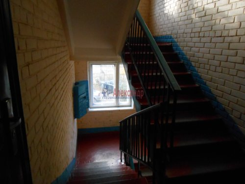 4-комнатная квартира (60м2) на продажу по адресу Сясьстрой г., Петрозаводская ул., 6— фото 2 из 5