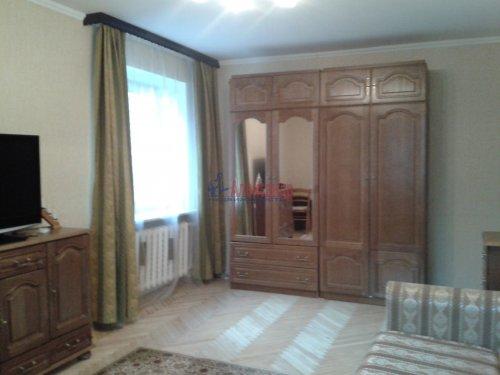 2-комнатная квартира (55м2) на продажу по адресу Пискаревский пр., 50— фото 1 из 10