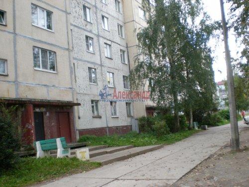 Комната в 3-комнатной квартире (67м2) на продажу по адресу Подпорожье г., Красноармейская ул., 13— фото 1 из 1