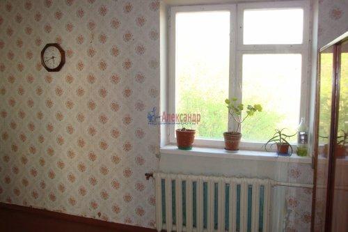 3-комнатная квартира (61м2) на продажу по адресу Кириши г., Молодежный бул., 16— фото 8 из 13
