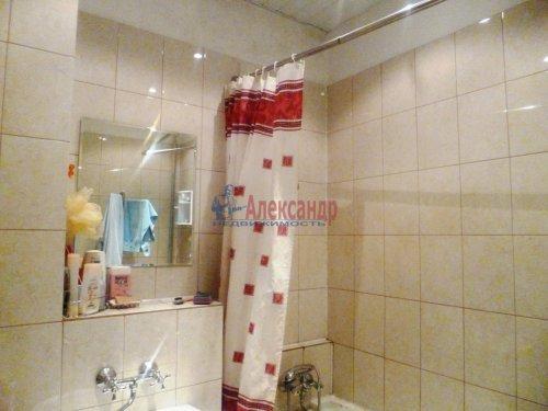 4-комнатная квартира (91м2) на продажу по адресу Стахановцев ул., 7— фото 6 из 9