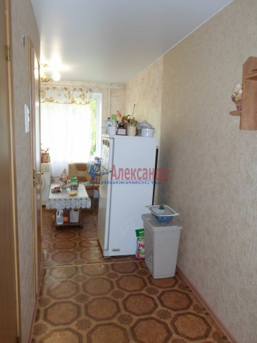 2-комнатная квартира (55м2) на продажу по адресу Коммунар г., Бумажников ул., 5— фото 5 из 9