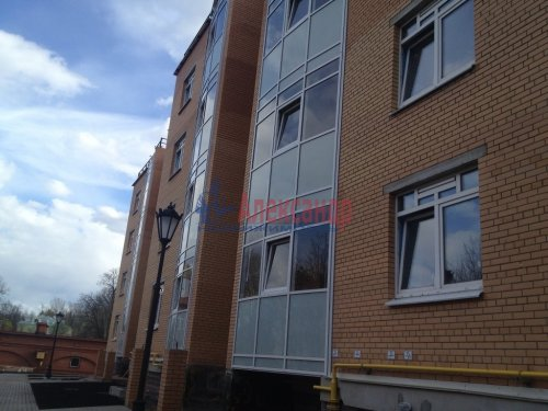 1-комнатная квартира (52м2) на продажу по адресу Павловск г., Конюшенная ул., 26— фото 1 из 6