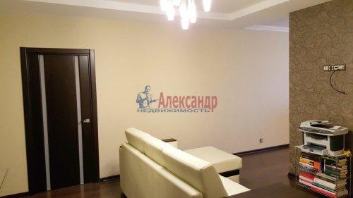 2-комнатная квартира (91м2) на продажу по адресу Пулковская ул., 2— фото 4 из 10