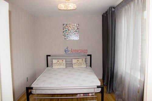 3-комнатная квартира (64м2) на продажу по адресу Ветеранов пр., 115— фото 7 из 13