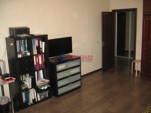 2-комнатная квартира (63м2) на продажу по адресу Кондратьевский пр., 32— фото 2 из 18
