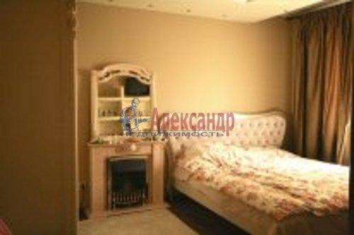 2-комнатная квартира (76м2) на продажу по адресу Береговая ул., 24— фото 3 из 9