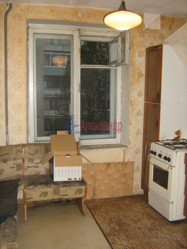 3-комнатная квартира (74м2) на продажу по адресу Кириши г., Строителей ул., 16— фото 11 из 12