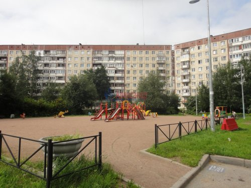 3-комнатная квартира (57м2) на продажу по адресу Асафьева ул., 10— фото 1 из 15
