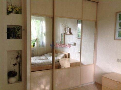 2-комнатная квартира (49м2) на продажу по адресу Сестрорецк г., Володарского ул., 29— фото 1 из 7