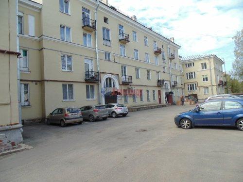 2-комнатная квартира (54м2) на продажу по адресу Песочный пос., Ленинградская ул., 44— фото 11 из 15