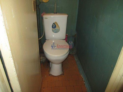 Комната в 4-комнатной квартире (376м2) на продажу по адресу Петергоф г., Володи Дубинина ул., 12а— фото 5 из 9
