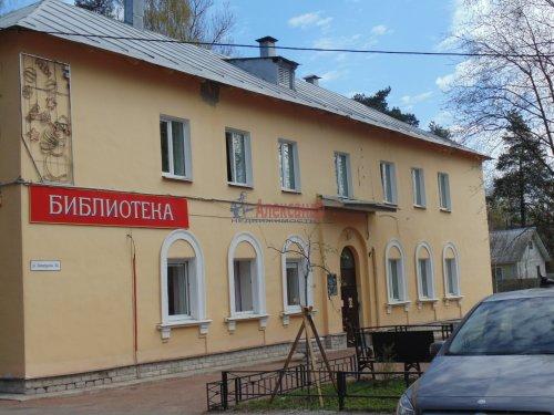 2-комнатная квартира (54м2) на продажу по адресу Песочный пос., Ленинградская ул., 44— фото 12 из 15