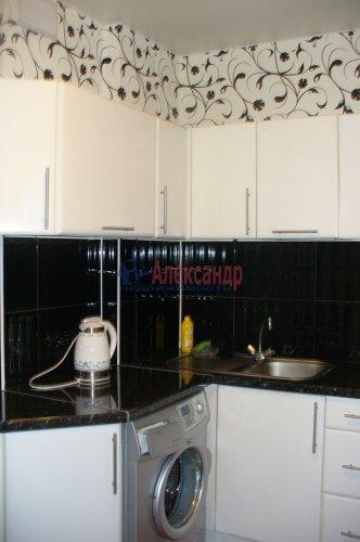3-комнатная квартира (70м2) на продажу по адресу Шлиссельбургский пр., 18— фото 3 из 6