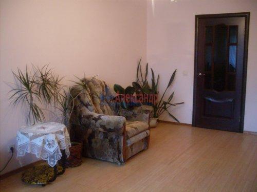 2-комнатная квартира (64м2) на продажу по адресу Рощино пгт., Садовый пер., 6— фото 8 из 10