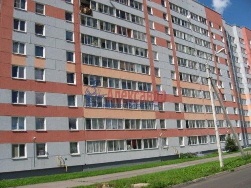 3-комнатная квартира (83м2) на продажу по адресу Волхов г., Железнодорожный пер., 1— фото 1 из 8