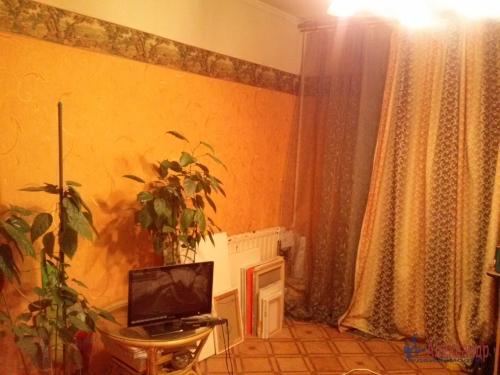 Комната в 9-комнатной квартире (187м2) на продажу по адресу Купчинская ул., 4— фото 3 из 11