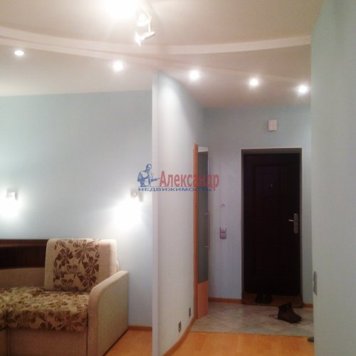 1-комнатная квартира (36м2) на продажу по адресу Комендантский пр., 42— фото 2 из 14