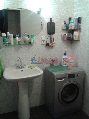 2-комнатная квартира (63м2) на продажу по адресу Кондратьевский пр., 32— фото 6 из 18