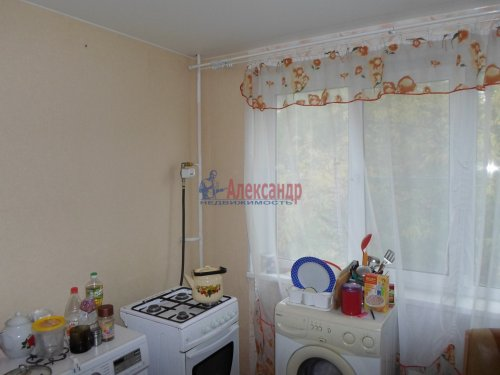 2-комнатная квартира (55м2) на продажу по адресу Коммунар г., Бумажников ул., 5— фото 6 из 9