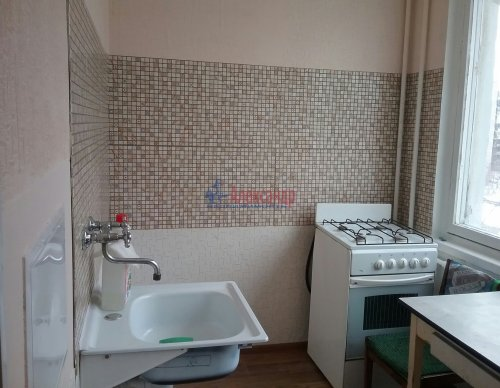 2-комнатная квартира (45м2) на продажу по адресу Ярослава Гашека ул., 10— фото 8 из 15