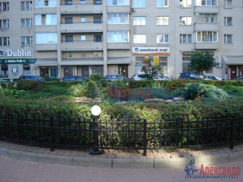 2-комнатная квартира (69м2) на продажу по адресу Науки пр., 19— фото 2 из 10