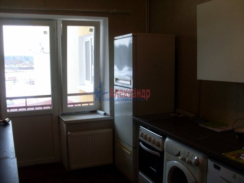 3-комнатная квартира (71м2) на продажу по адресу Петровское пос., Шоссейная ул., 40— фото 7 из 15