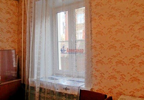 Комната в 8-комнатной квартире (141м2) на продажу по адресу Малодетскосельский пр., 32— фото 4 из 13